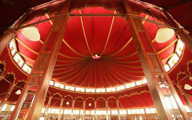 Palais des Glaces 09